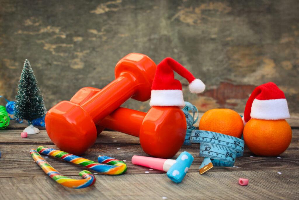 Hantle, pomarańcze, choinka. Świąteczna dieta sportowca - czyli co można, a czego lepiej unikać.