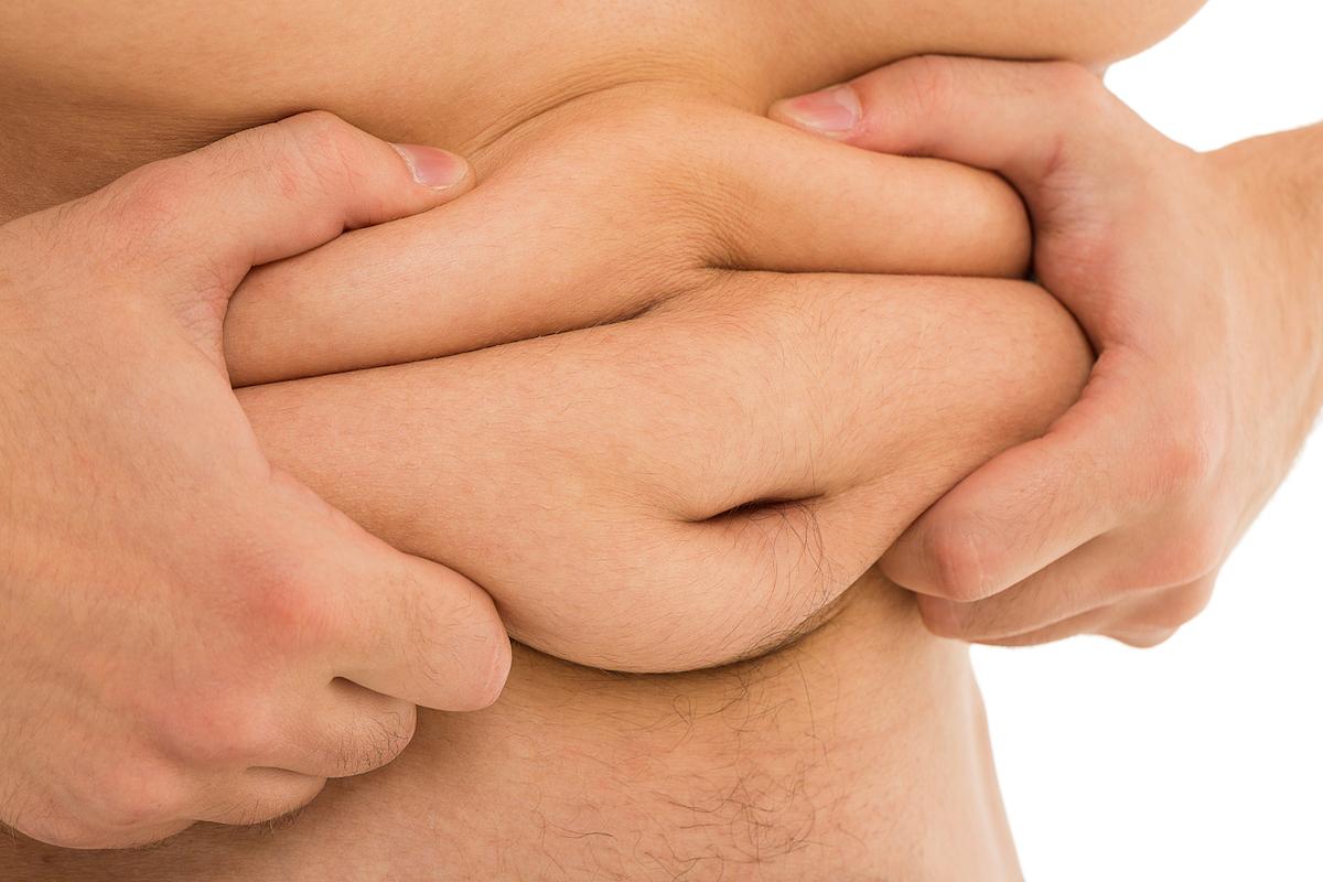 otyłość brzuszna u mężczyzny niski poziom testosteronu